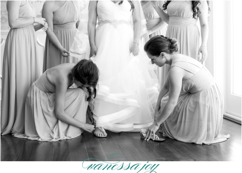 black and white wedding photos, bridal prep photos, Bridesmaids Duty