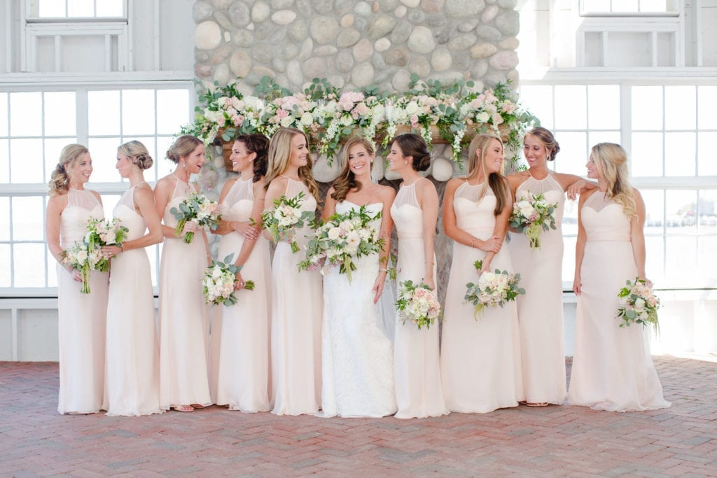 bridesmaids trends; bridal trends; wedding photography