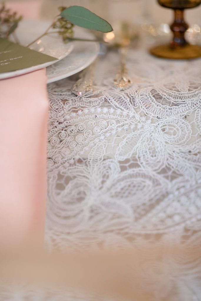 lace table runner details, wedding table setup